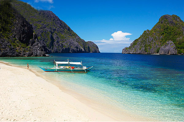 http://viettours.com.vn/wp-content/gallery/philippines/ElNido-Palawan-Philippines.jpg